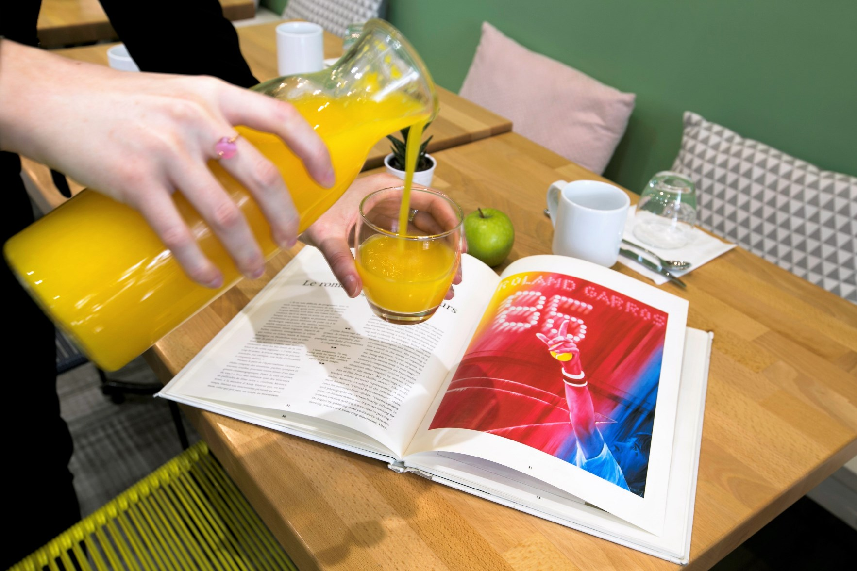148/Photos/Photo Olympic/Hotel_Olympic_Boulogne_Billancourt_fresh_orange_juice.jpg